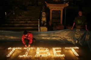 Tibet_candles_jpg_600x396_q85