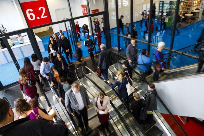trade-visitors-in-hall-6-at-frankfurt-book-fair