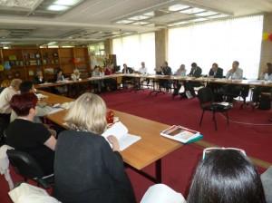 翻译与语言权利委员会会议选举新主任