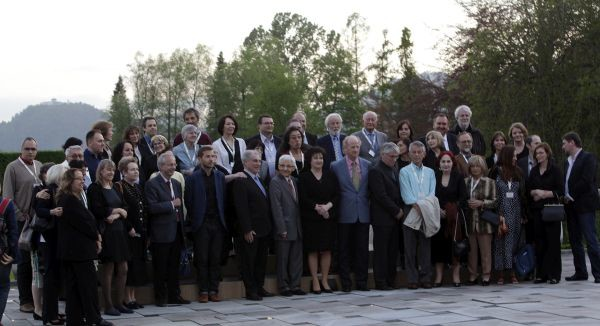 Slovenija, Brdo pri Kranju, 06.05.2015, 06. Maj 2015 Ministrica za kulturo je pripravila sprejem za udelezence PEN Bled. pisatelji,politika, druzba, portret Foto : Srdjan Zivulovic/BOBO