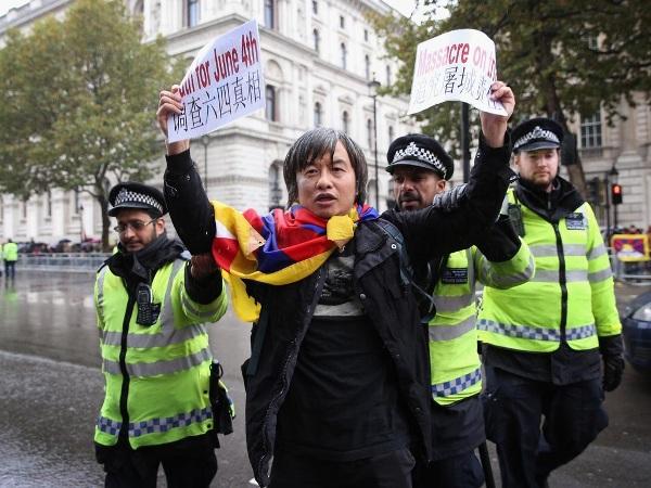中国异议人士邵江,和平表达抗议理念
