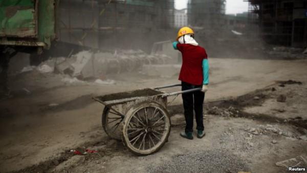 中国上海建筑工地的农民工