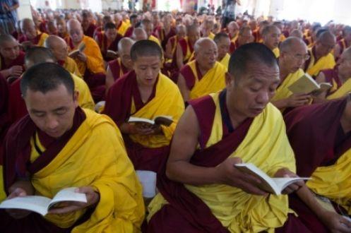 法会上的僧众