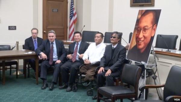 史密斯议员在上海发表人权演说
