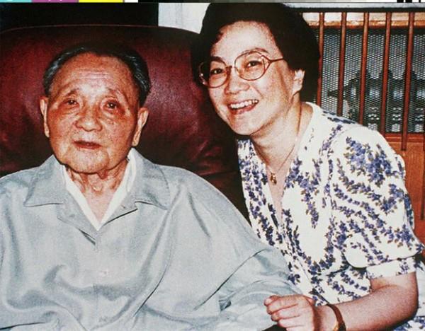 邓小平和小女儿邓榕