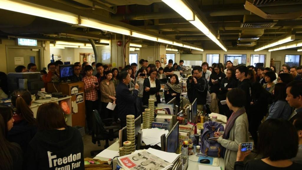 施英:一周新闻聚焦:香港《明报》执行总编突遭解雇,新闻自由再敲警钟4