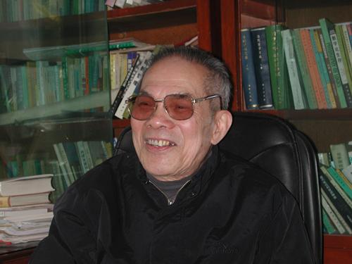 中国人民大学荣誉一级教授黄顺基