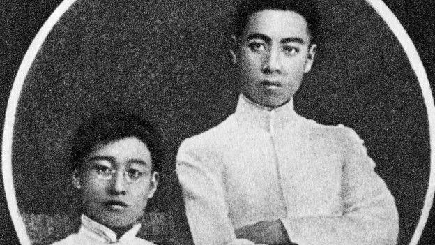 周恩來和李福景攝於1915年南開同學時