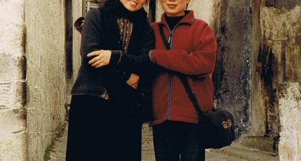 朱瑞和唯色在哲蚌寺 摄于2000年末