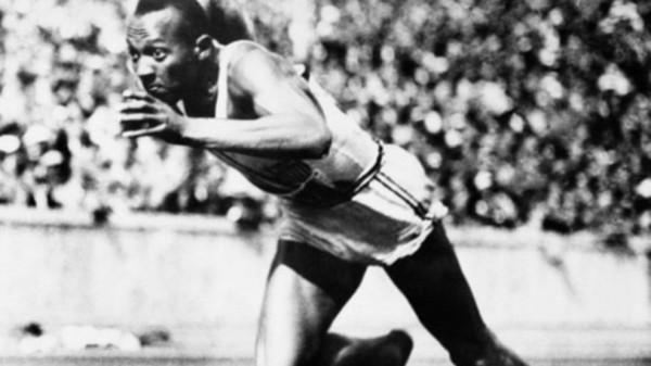 杰西·欧文斯1936年在柏林奥运会