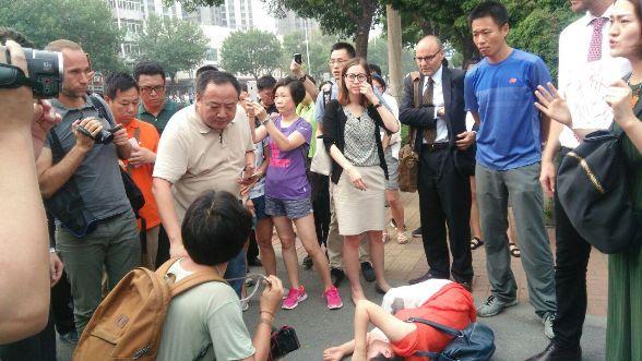 709大抓捕案:声援者、外交官到天津法院,疑未开庭7