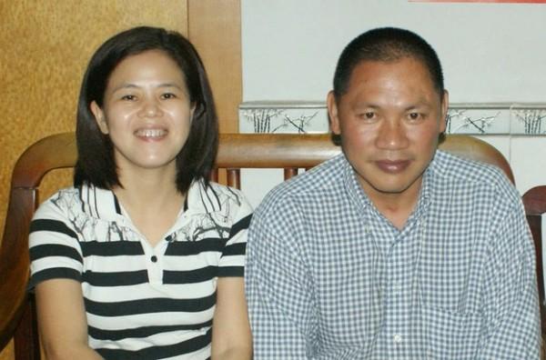 广东维权人士苏昌兰(左)及其丈夫陈德权