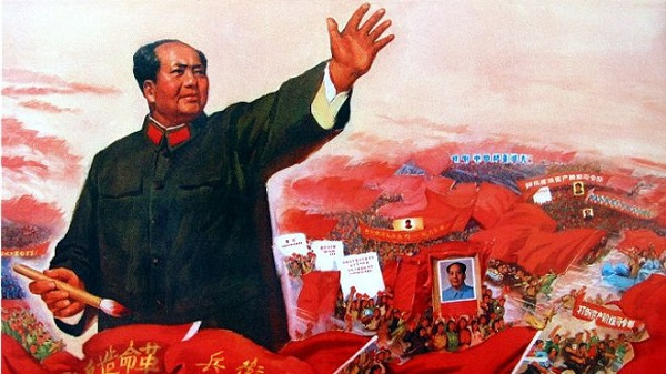 许多中国人也对毛泽东时期持批评态度,认为那个时期导致了大批人死亡。