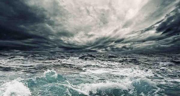 乌云密布-大海-常用3