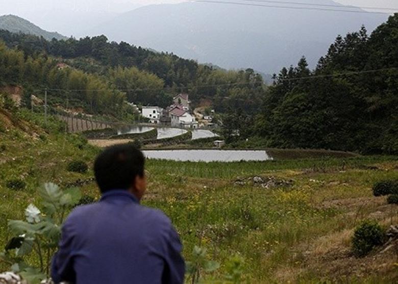 中国农村有不少人一直逗留家乡一带