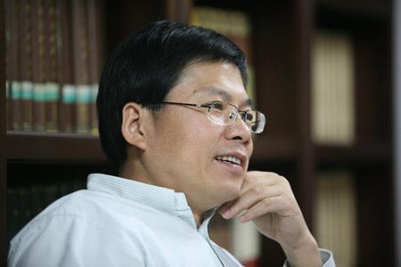 刘军宁:国进民退侵犯私有财产权