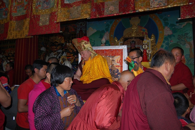 洛萨期间为锡金和不丹百姓祈福的嘉察仁波切