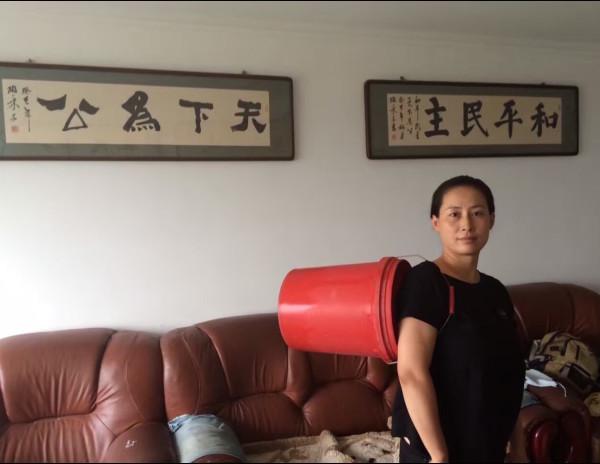 谢燕益妻子原姗姗通过社交网络发布消息指丈夫已于当天下午回家2