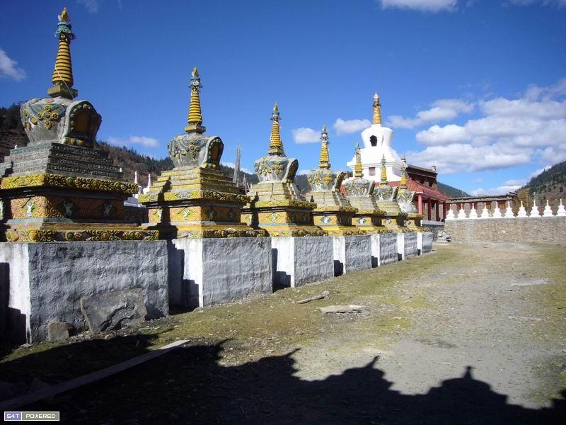 图4:这就是嘎玛和曲扎所在的西俄洛乡,丹增德勒仁波切多次到这里传播佛法,教化村民。