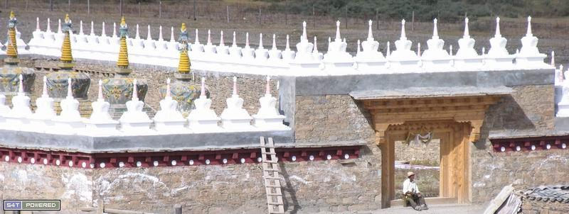 图5:这就是嘎玛和曲扎所在的西俄洛乡,丹增德勒仁波切多次到这里传播佛法,教化村民。
