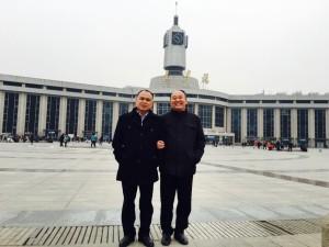 律师余文生、马连顺陪同709家属到天津求见主审法官