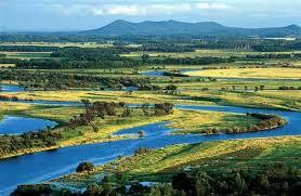 中俄共享的乌苏里江是中国罕有的未被污染的河流之一。