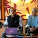国际笔会主席詹妮弗·克莱门特女士和执行主任卡莱斯先生在达兰萨拉的记者会上