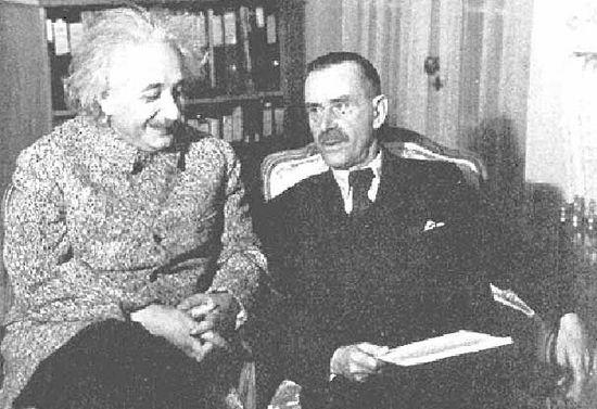 为奥斯茨基获奖而全力奔走的两位德国诺贝尔奖得主爱因斯坦与托马斯曼