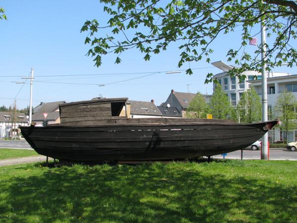 被Cap Anamur救起的越南小船