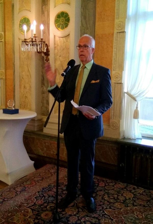 欧洲记忆与良知平台主席瑞典前国会议员约然林德布劳德