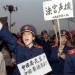 1989年5月18日,北京法官身穿制服走上街头声援绝食学生,要民主要法制