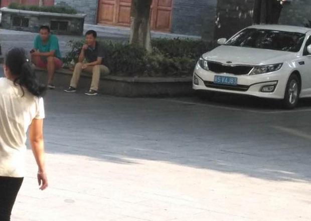 2017年9月27日,监视跟踪徐琳妻子的便衣