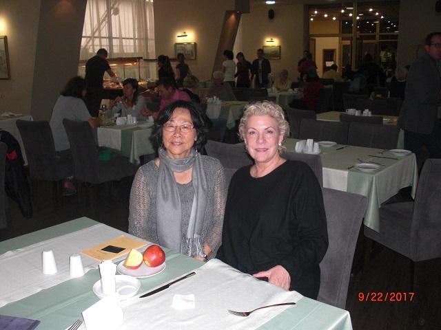 3.廖天琪和国际笔会会长珍妮弗