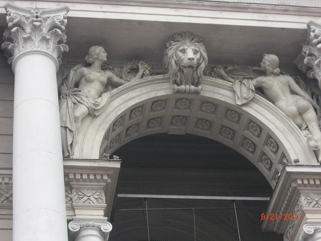 7.利沃夫市内的浮雕