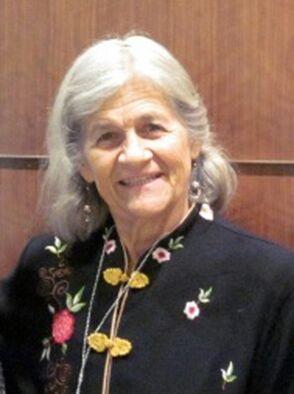 国际笔会副会长(女委前主席、墨西哥圣米格尔笔会创始人)露西娜·卡特曼(Lucina Kathmann)