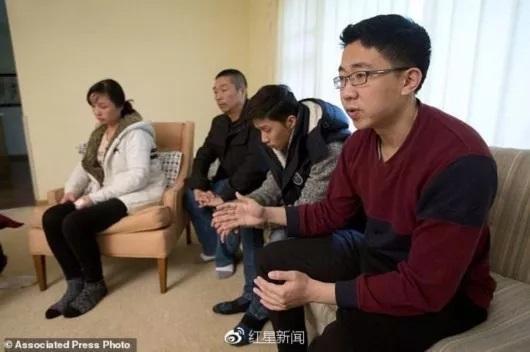 章莹颖家人和男友接受访问