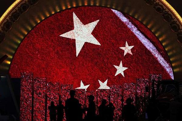 """2017年10月18日至24日,中共十九大在北京召开,""""五桶""""成了新名词"""