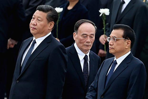 习近平(左),王歧山(中)、李克强(右)