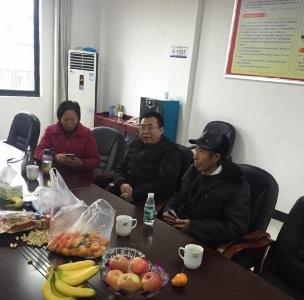 2017年11月21日,当局对江天勇宣判后允许其与父亲和妹妹会面