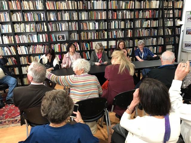 4.在卢布尔亚那的诗歌图书馆的朗读会