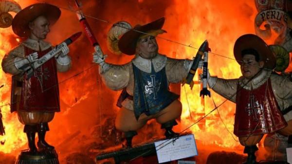 西班牙瓦伦西亚法雅节上的特朗普木偶