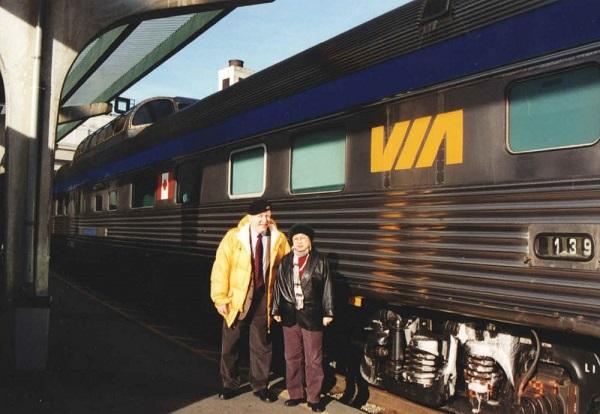 经过火车上的四天三夜,我和柯佛兰终于抵达温哥华