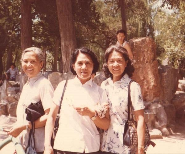 赵氏三姐妹,左起世燕,世婉,世平