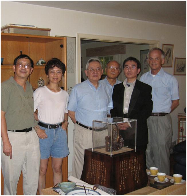 普林斯顿中国学社成员。右起林培瑞、陈奎德、郑义、余英时、北明和苏炜