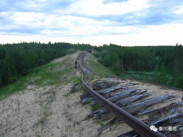 伊加尔卡-哈尔德 之间的极地铁路